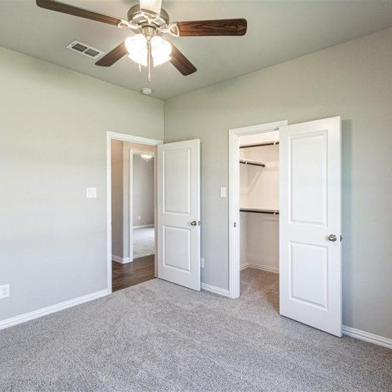 1114-denton-creek-bedroom-04
