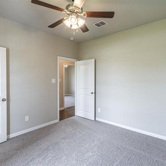 1114-denton-creek-bedroom-02