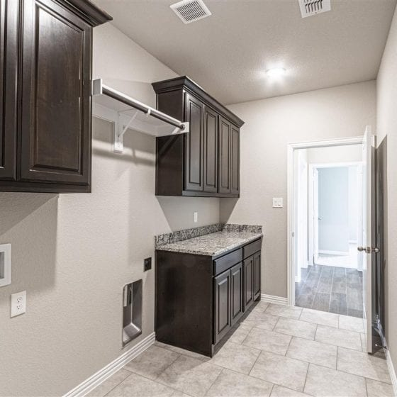 1114-denton-creek-laundry-room